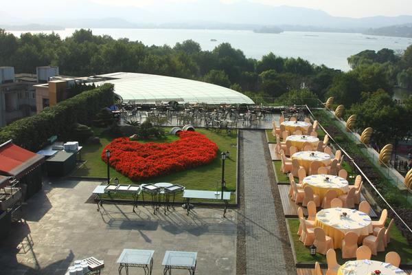 Hotel Near West Lake | Hangzhou Downtown | Courtyard by