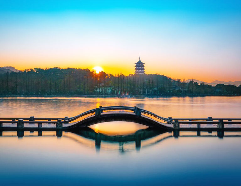 Beautiful West Lake - Bridge