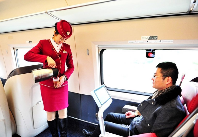 Service for Business Class Passenger on High Speed Train