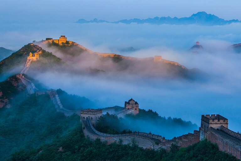 Magnificent Jinshanling Great Wall landscape in the morning