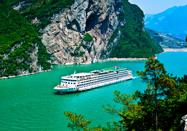 Golden Triangle Tour with Yangtze Cruise