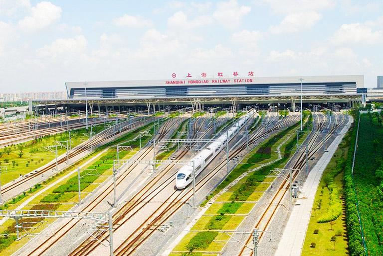 Changsha High Speed Train - Shanghai Hongqiao Railway Station