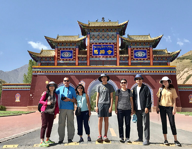 China Discovery's Guests Visited Mati Temple