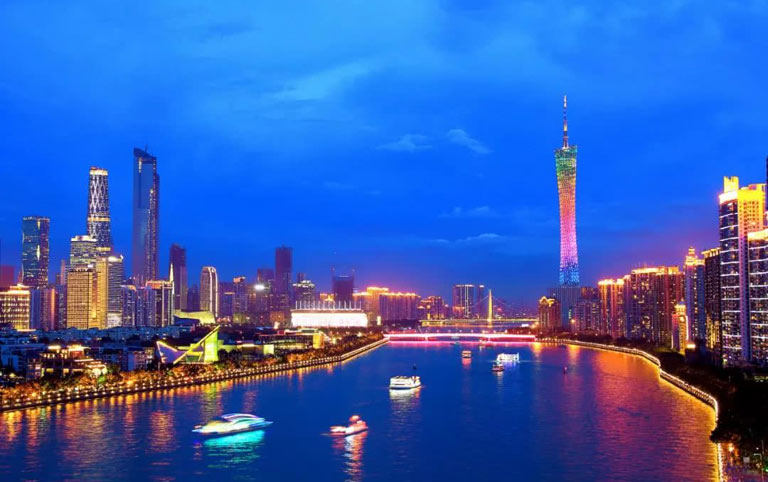 Pearl River Night Cruise to Enjoy Canton Tower
