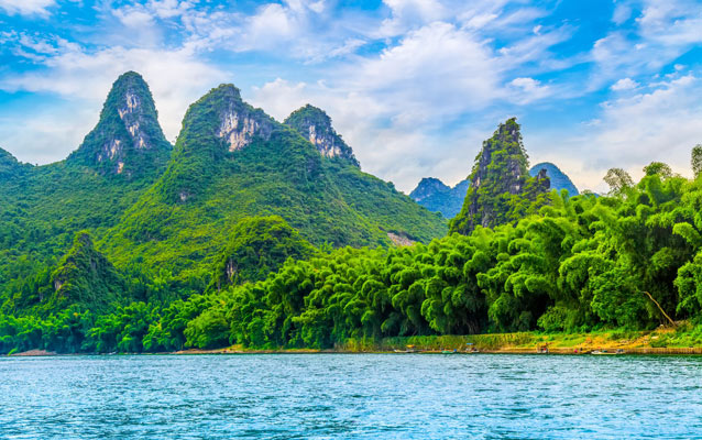 Lush Guilin Li River Scenery