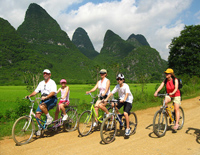 Family Cycling in Yangshuo