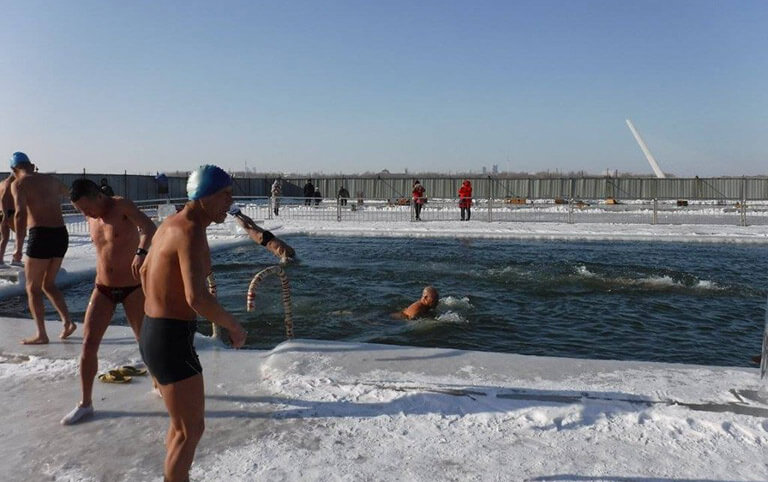 Songhua River Winter Swimming