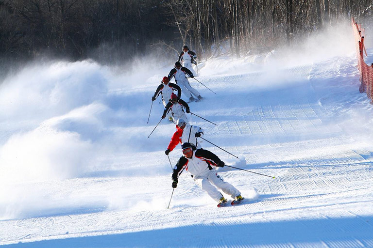Exciting Skiing Experience in Jihua Ski Resort