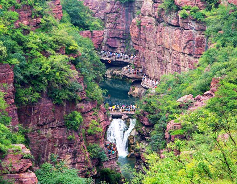 Attractive Red Stone Gorge in Yuntai Mountain