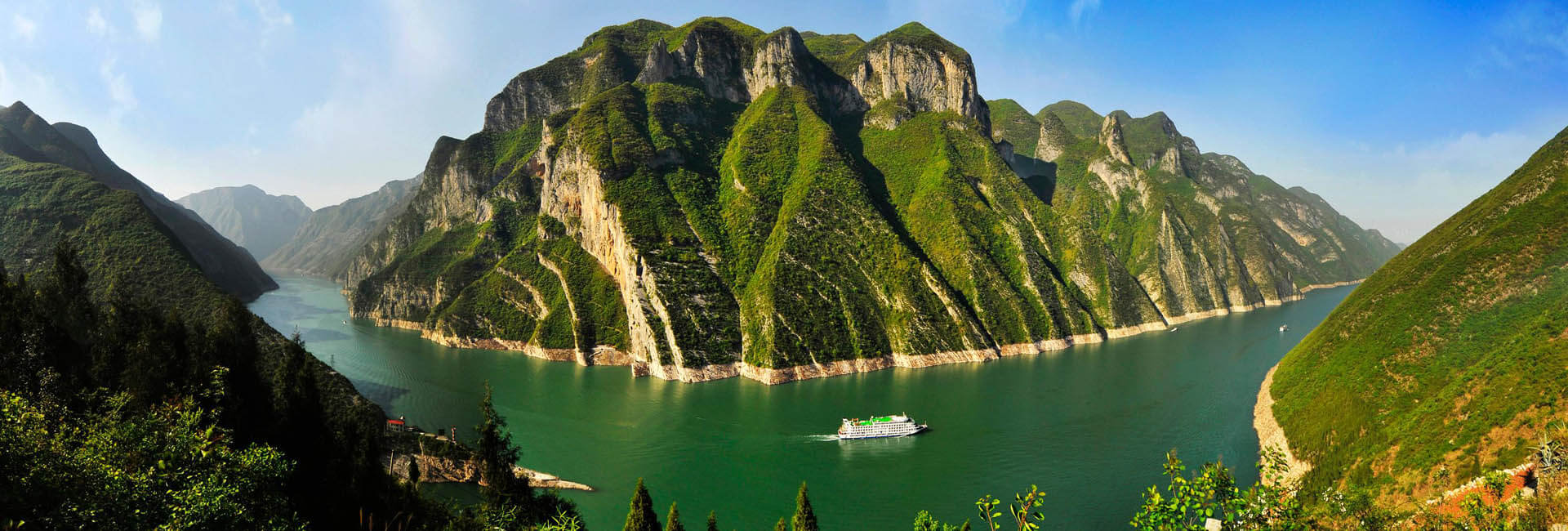 13 Days China Leisure Tour with Yangtze Cruise & Train Experience