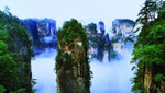 Enjoy the breathtaking landscape of Zhangjiajie National Park, and go to walk the thrilling Zhangjiajie Glass Bridge.