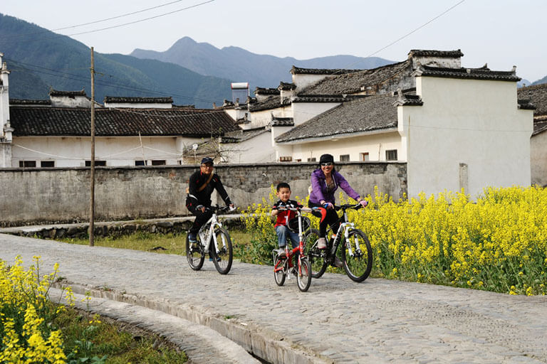Biking through Hui-style ancient villages