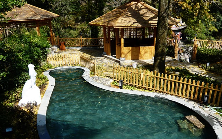 Enjoy Hot Spring at Huangshan