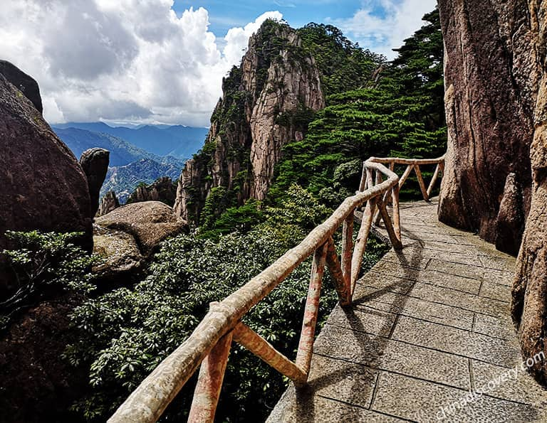 Breathtaking scenery of Mt. Huang