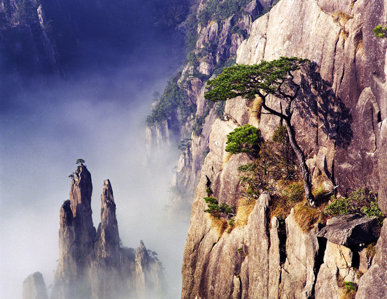 Breathtaking Scenery of Yellow Mountain - West Sea