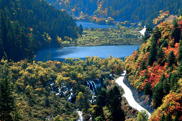 Jiuzhaigou Walking Tour