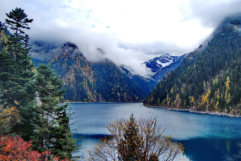Winter landscape of Long Lake in Zechawa Valley of Jiuzhaigou