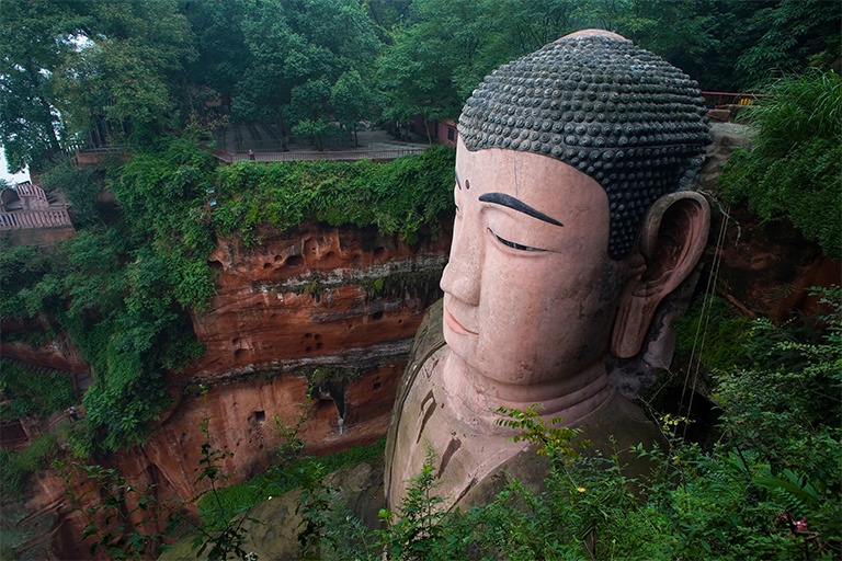 Head of Giant Buddha hides a drainage system