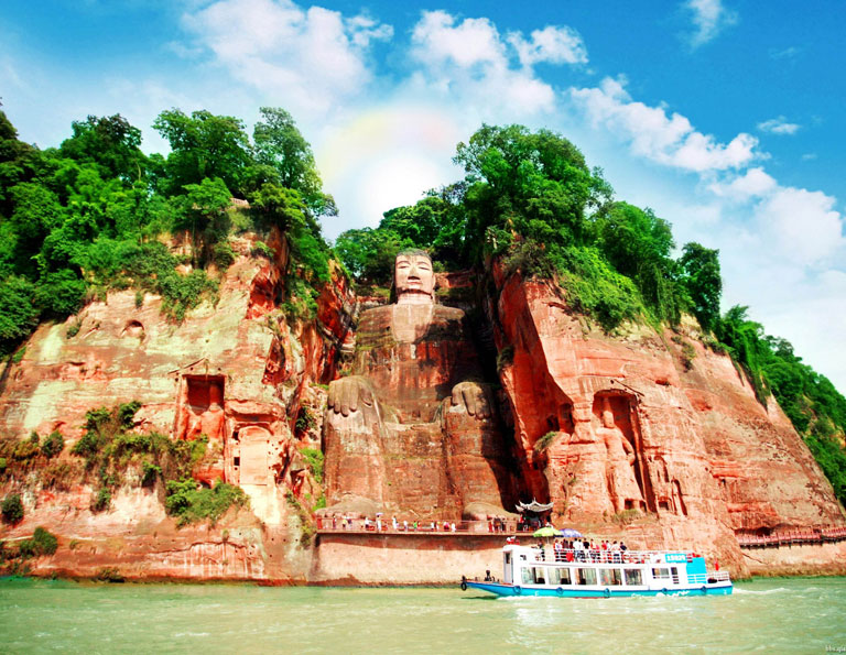 Watching Leshan Giant Buddha from the River