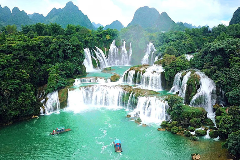 Splendid Detian Waterfall