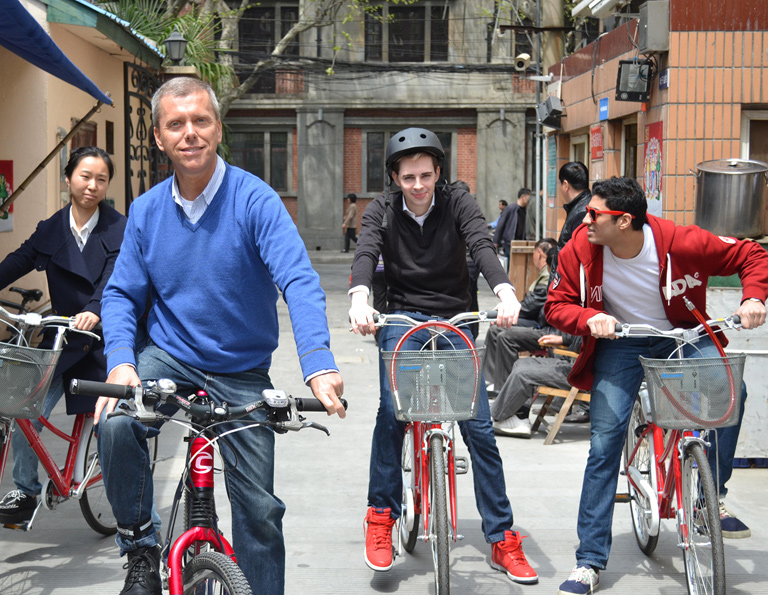 Worth-trying Biking Tour in Shanghai City