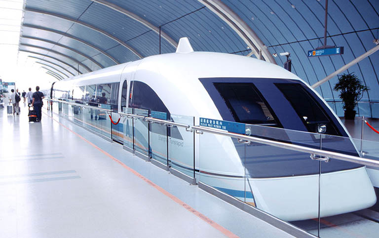 Feel the Highest Speed of 431 km/h of Shanghai Maglev Train