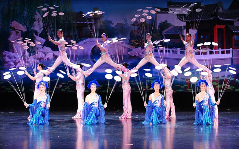 Shanghai Circus World Acrobatic Shows Era Intersection Of Time