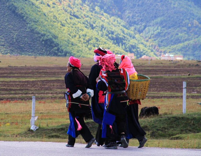 Tibetan People in Shangri-La