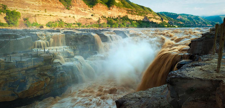 Hukou Waterfall Largest Yellow Waterfall In The World