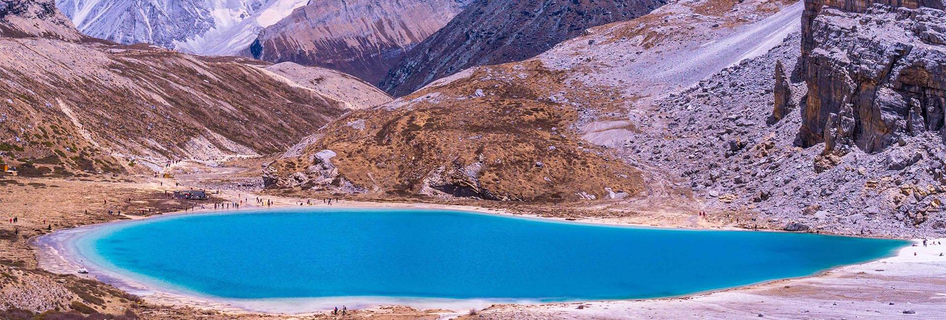 4 Days Daocheng Yading Classic Hiking Tour from Chengdu (by Flight)