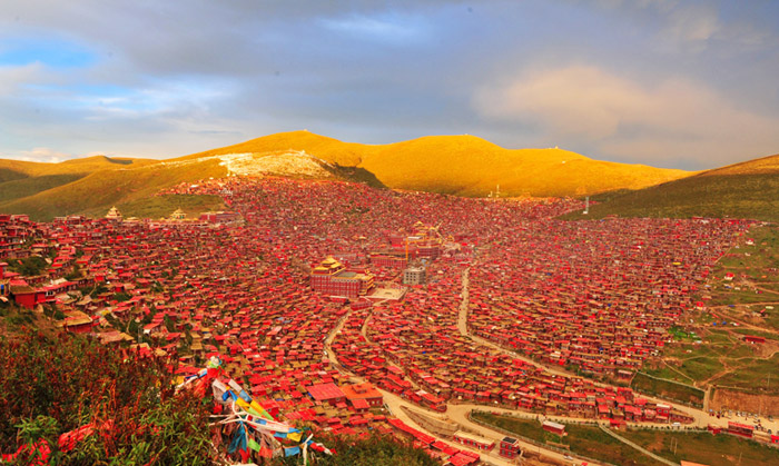 red river buddhist personals If you are interested in chinese and tibetan buddhism,  over 2000 cultural relics dating back to  the whole buddhist academy looks like a red river of.