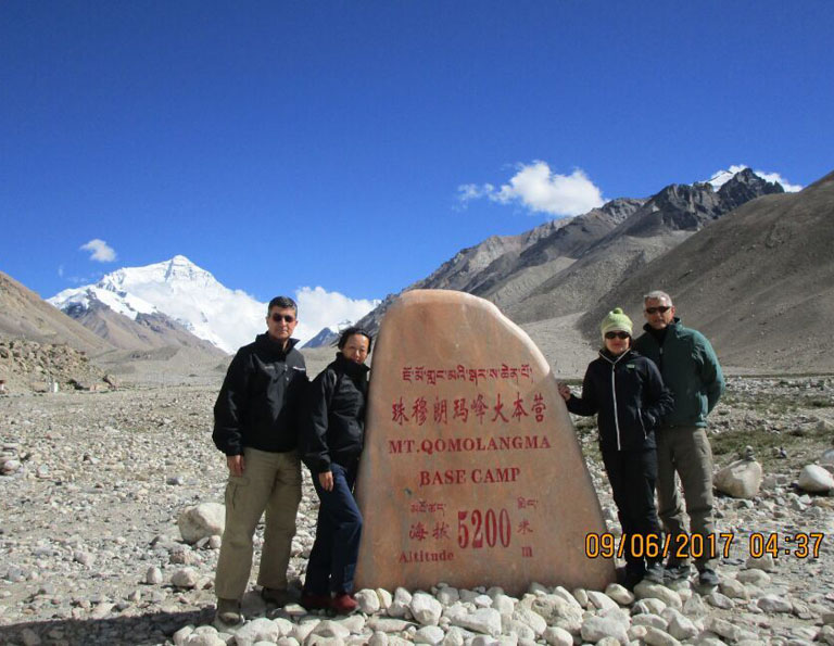 Mount Everest - Stele