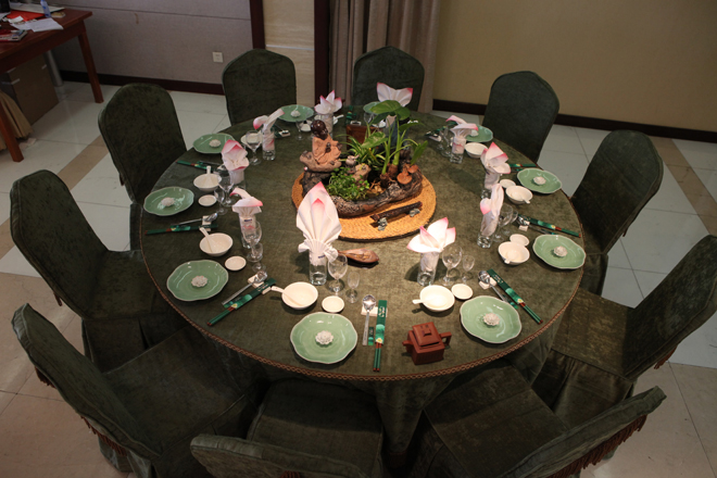 If The Round Table Is Very Large Then It Usually Has A Lazy Susan Turntable To Facilitate Passing Or Serving Dishes