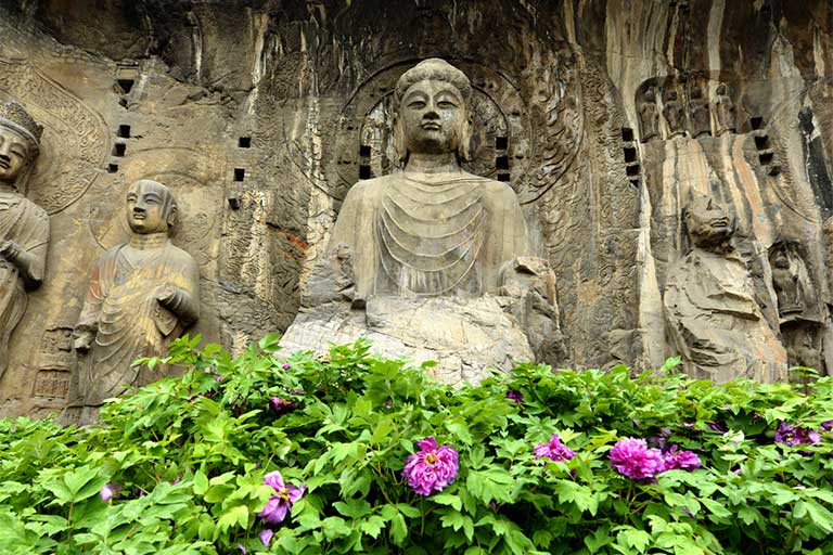 Longmen Grottoes Scenery in Spring