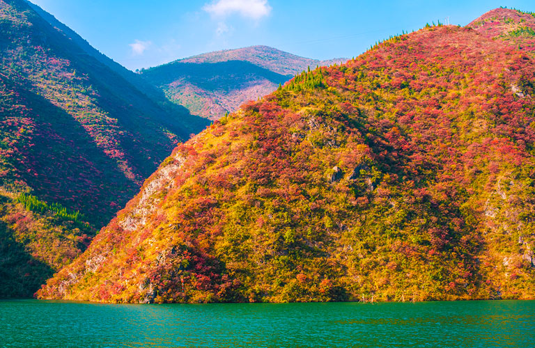 Lesser Three Gorges - Wushan Red Leaves