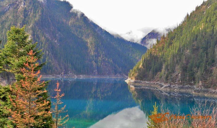 Jiuzhaigou Valley Tour