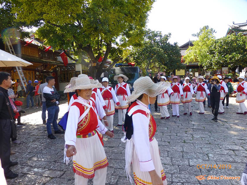 Locals in Baisha Ancient Town, Photo Shared by Steve, Tour Customized by Leo