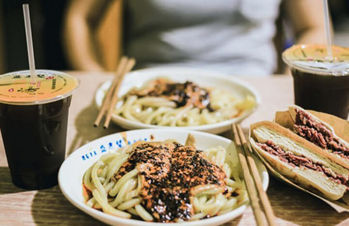 Try Local Cuisines in Xian