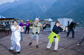 Play Tai Chi on Yangtze Gold