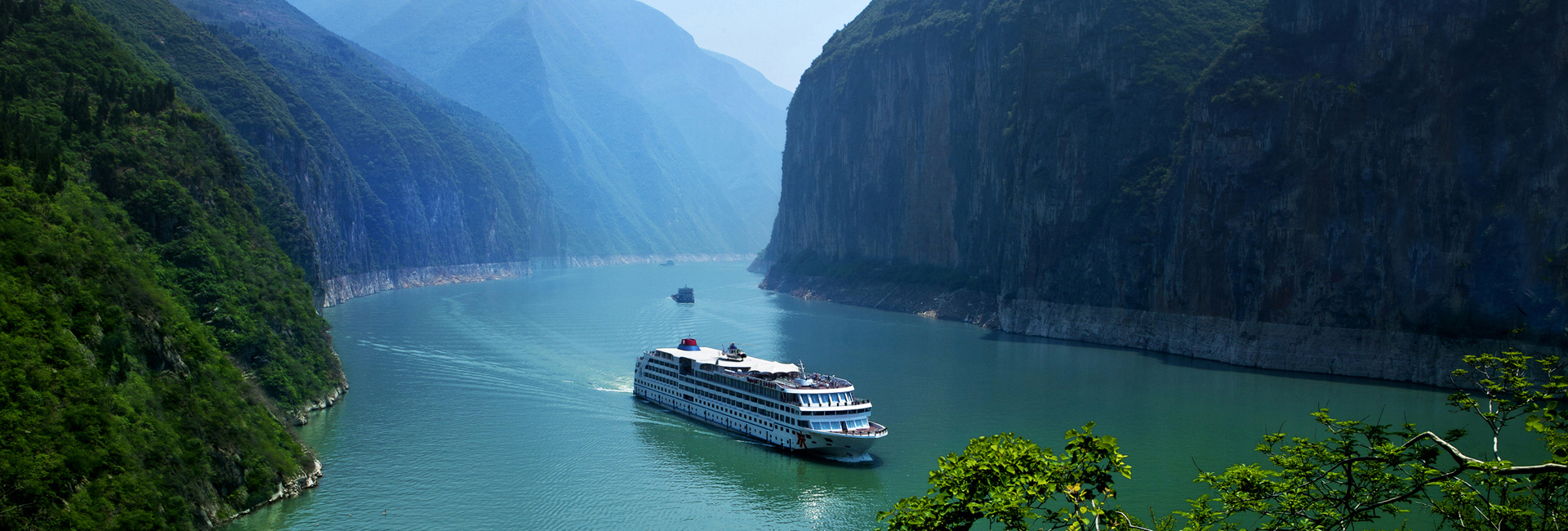 Yangtze Gold Cruises  Luxury Yangtze River Cruises