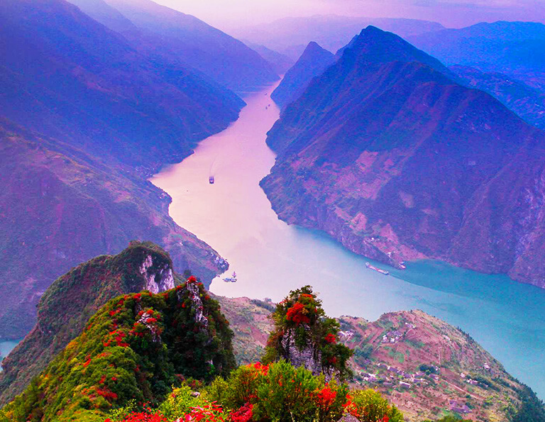Sailing on Yangtze River in Autumn