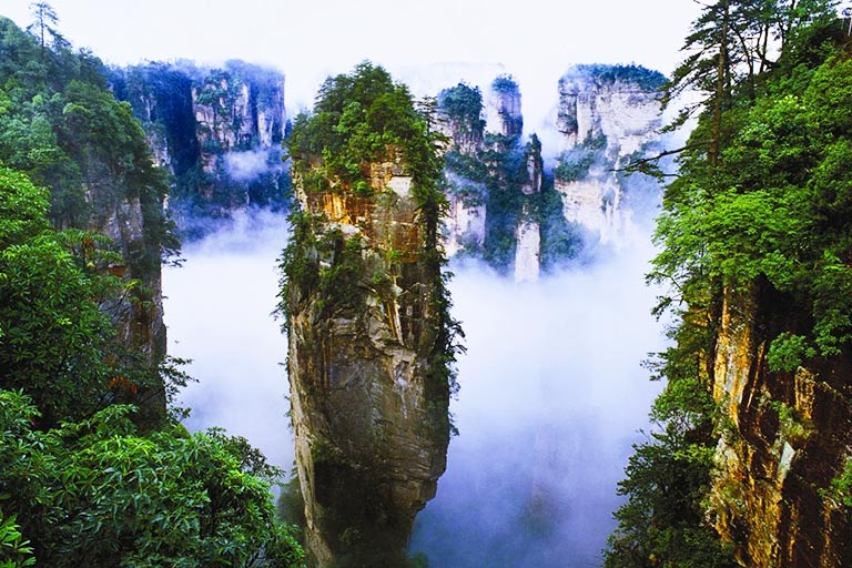 Hallelujah Mountain in Zhangjiajie National Forest Park