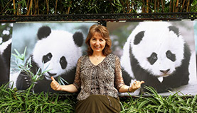 China Discovery Customers with Panda Photos